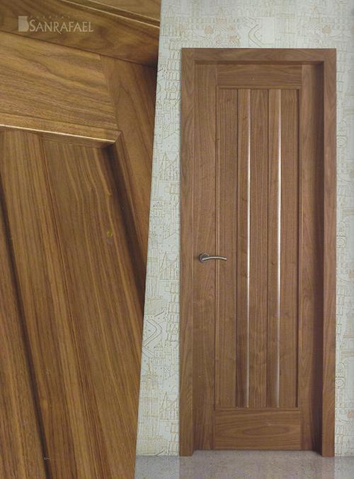 Puerta clásica modelo 103 nogal